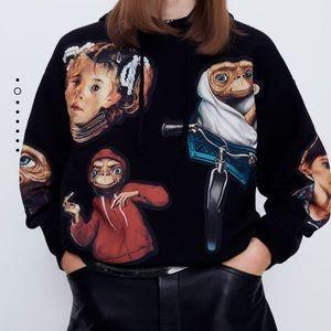 GORGEOUS ZARA NWT E.T. Universal Sweatshirt